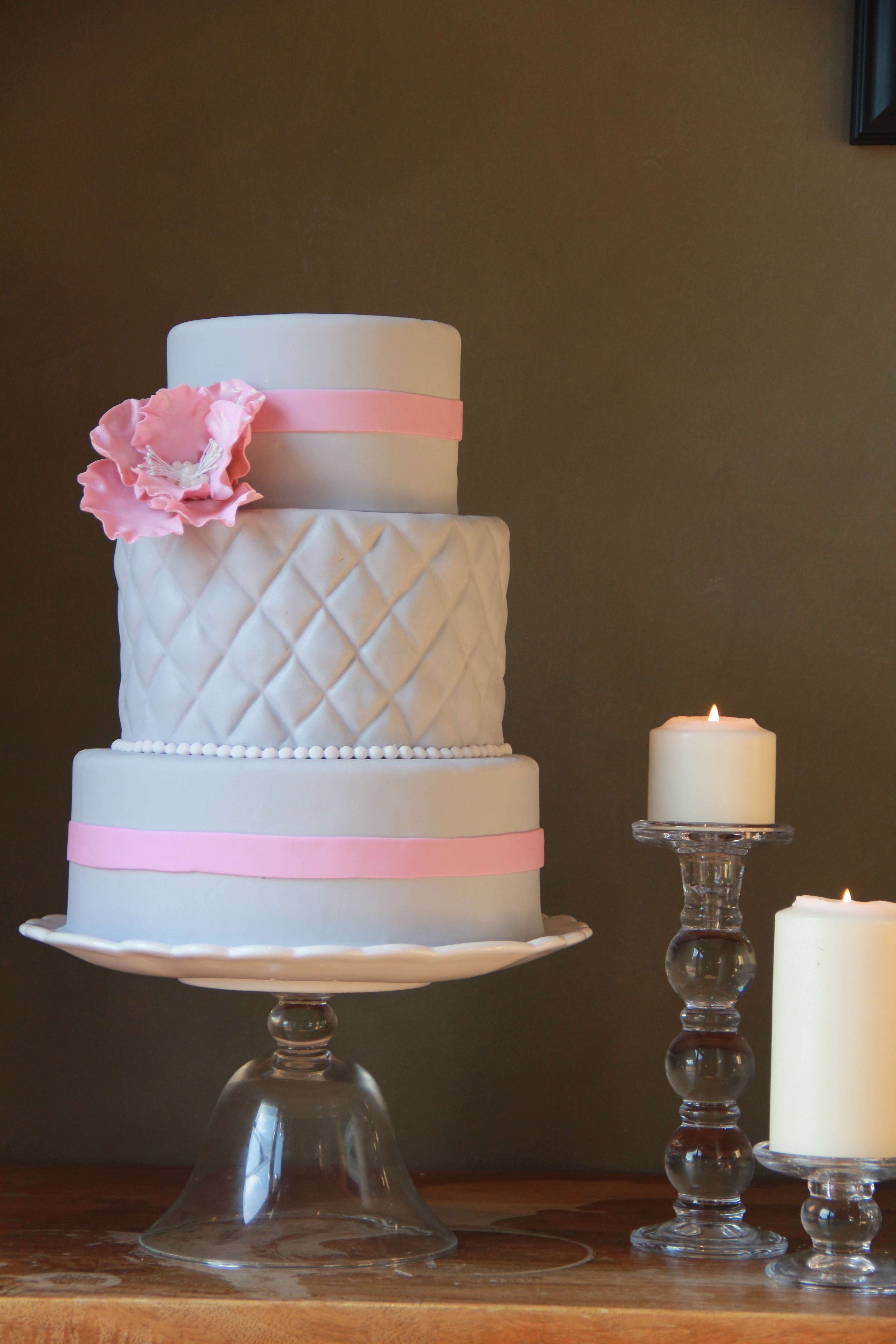 Incredible Cakes with Quilted Pattern 3456 x 5184 · 3698 kB · jpeg